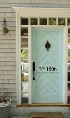 Awesome Use of Decoration on a Door!