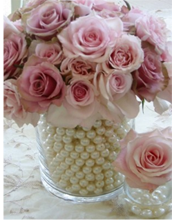 Pink roses and white pearls